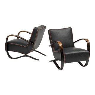 Pair of Lounge Chairs Model H269 by Halabala in Black Leather and Patinated Beech, Czechoslovakia, 1930s For Sale
