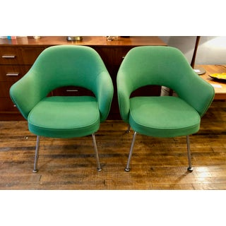 Pair of Green Vintage Saarinen Executive Armchairs for Knoll Preview