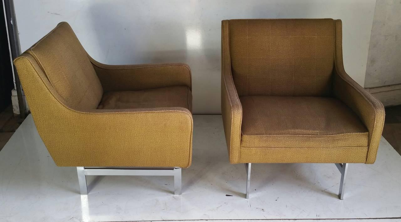 Chrome Modernist Florence Knoll Style Gold Upholstered Lounge Chairs   A  Pair For Sale   Image