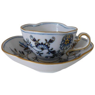 19th Century Mid-Century Modern Meissen Porcelain Blue Onion With Gold Cup and Saucer