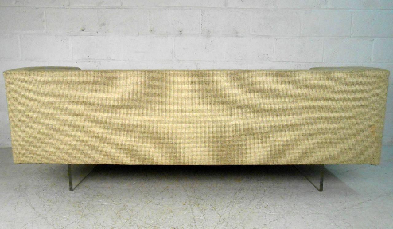 1960s Modern Harvey Probber Style Sofa On Lucite Base For Sale   Image 5 Of  8