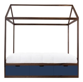 Image of Walnut Four Poster and Canopy Beds
