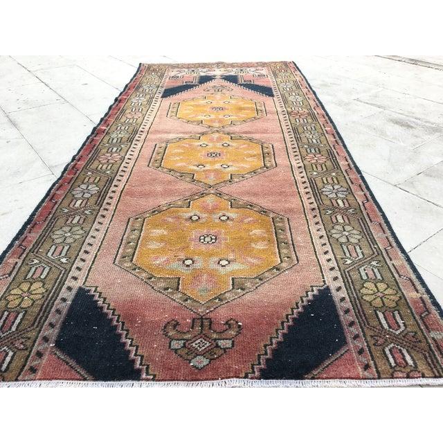 Vintage Turkish Oushak Geometric Design Handmade Runner Rug - 3′6″ × 7′10″ For Sale In Houston - Image 6 of 8