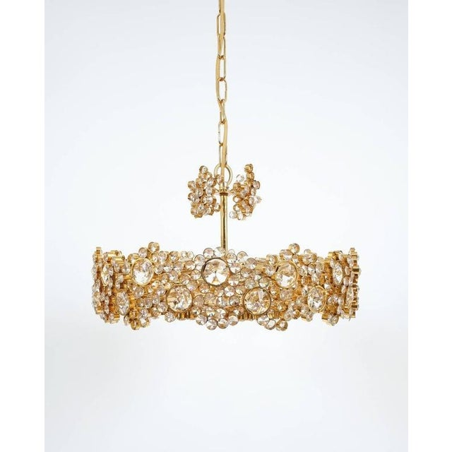 Brass Pair Palwa Crystal Glass Gold Plated Brass Chandeliers Refurbished Lamps, 1960 For Sale - Image 7 of 10