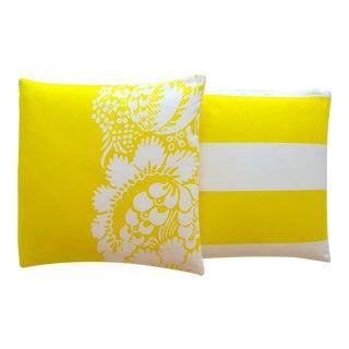 Marimekko 1960's Rare Vintage Mid Century Scandinavian Modern Throw Pillows - Set of 2 For Sale