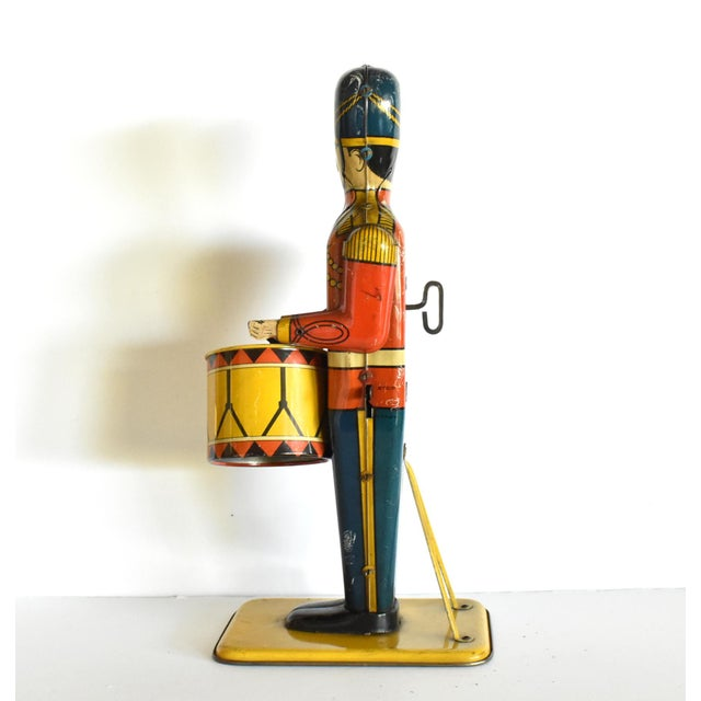 Antique Working Lithograph Tin Wind-Up Toy Drum Major For Sale In San Francisco - Image 6 of 11