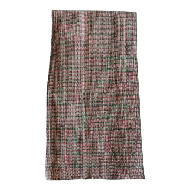 Vintage Green and Red Woven Bathroom Guest Towel For Sale