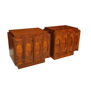 Pair of Broyhill Brasilia Style Mid Century Nightstands Side Tables For Sale