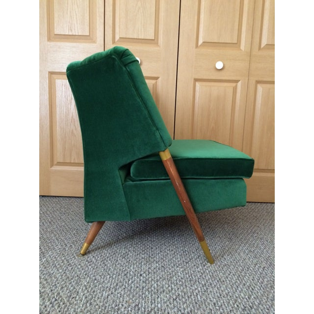 Mid-Century Emerald Velvet Chair For Sale - Image 5 of 7