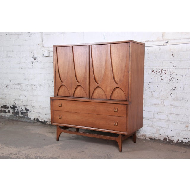 Broyhill Brasilia Mid-Century Modern Sculpted Walnut Gentleman's Chest For Sale - Image 13 of 13