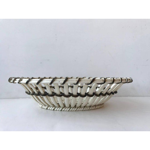 Traditional 19th Century Wedgewood Creamware Basket/Bowl For Sale - Image 3 of 8
