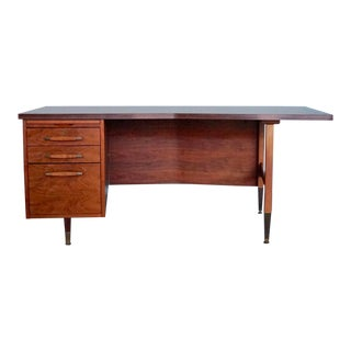 Mid-Century Modern Walnut Executive Boomerang Desk For Sale