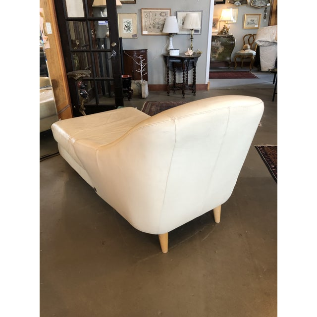 Italian 1980s Vintage Calia Italia Italian Cream Leather Chaise For Sale - Image 3 of 13
