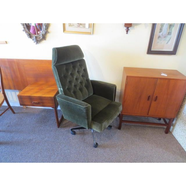 C. 1970s Green Office Chair For Sale - Image 5 of 7