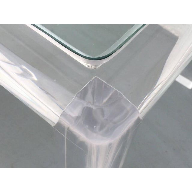 Mid-Century Modern Acrylic and Glass Occasional Table by Les Prismatiques For Sale - Image 3 of 6