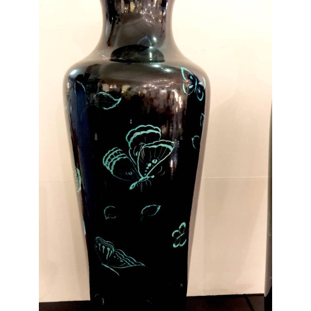 Marbro Black Mirror Glazed Turquoise Butterfly Lamp, circa 1970-1980 For Sale In Los Angeles - Image 6 of 10