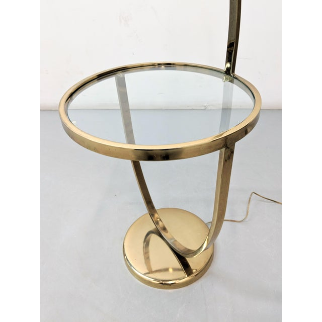 1970s Modern Curved Brass Floor Lamp With Table For Sale - Image 4 of 8
