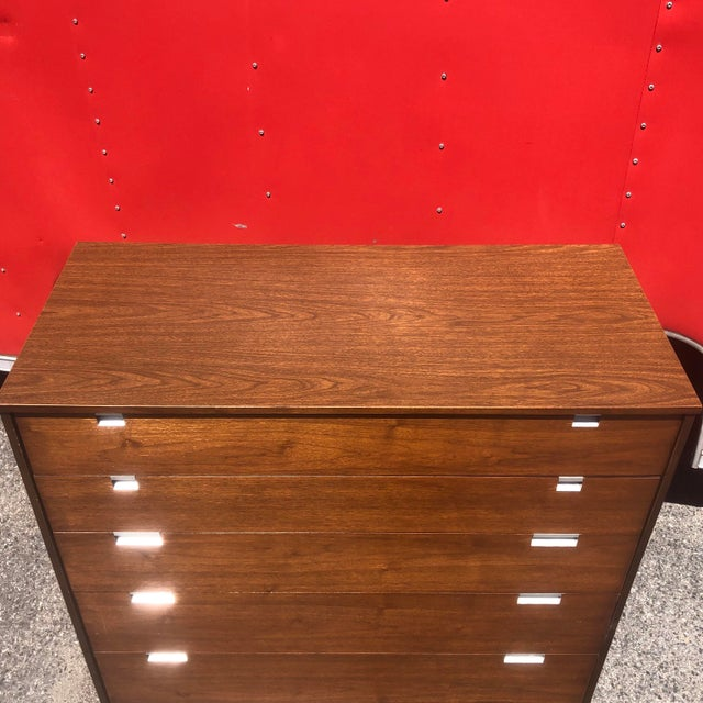 Mid-Century Modern Mid-Century Highboy Dresser by Bassett For Sale - Image 3 of 8