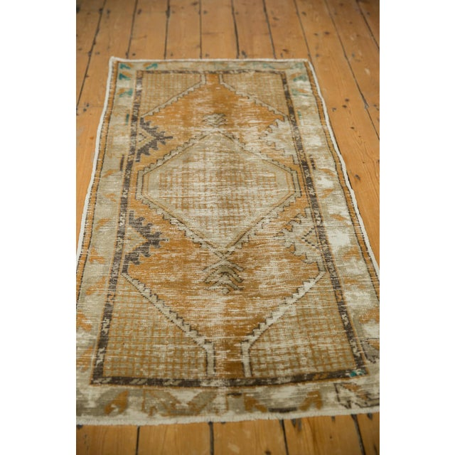 """Vintage Distressed Oushak Rug Runner - 2'7"""" X 5'3"""" For Sale In New York - Image 6 of 9"""