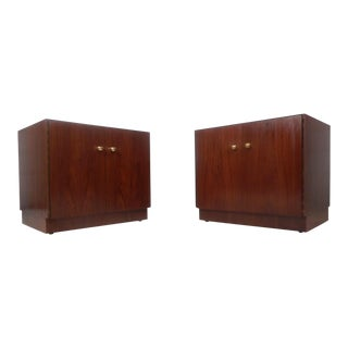 Pair of Vintage Modern Dunbar Style Nightstands For Sale