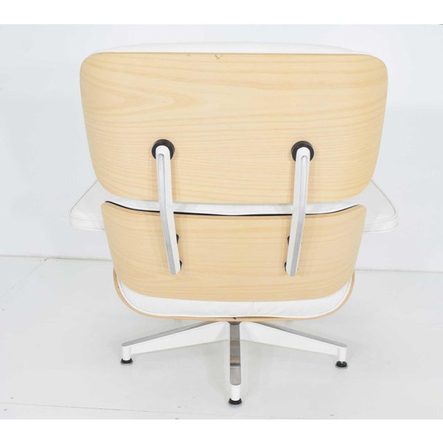 Charles & Ray Eames for Herman Miller Lounge Chair and Ottoman For Sale - Image 10 of 12