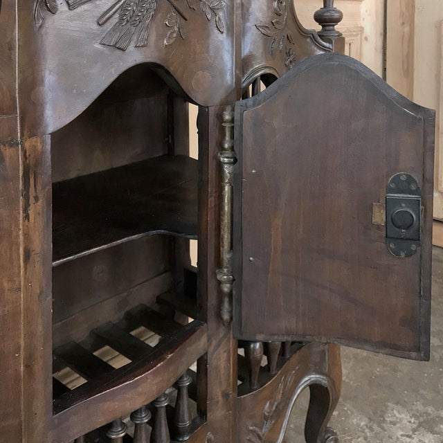 19th Century Country French Provincial Pannetiere For Sale - Image 4 of 13