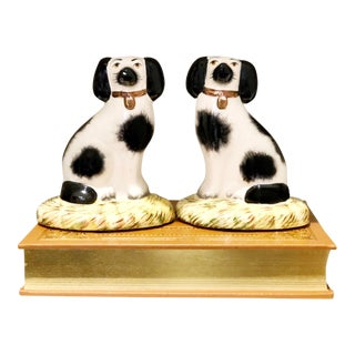 Staffordshire Spaniel Dog Figurines - a Pair For Sale