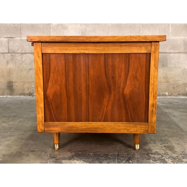 """Mid-Century Modern Indiana Mid-Century Modern Executive Desk 30"""" X 60"""" Top For Sale - Image 3 of 13"""