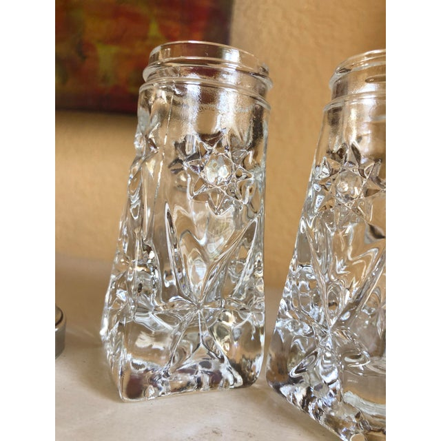 Transparent Early American Prescut Eapc Salt & Pepper Shaker Set by Anchor Hocking - a Pair For Sale - Image 8 of 13