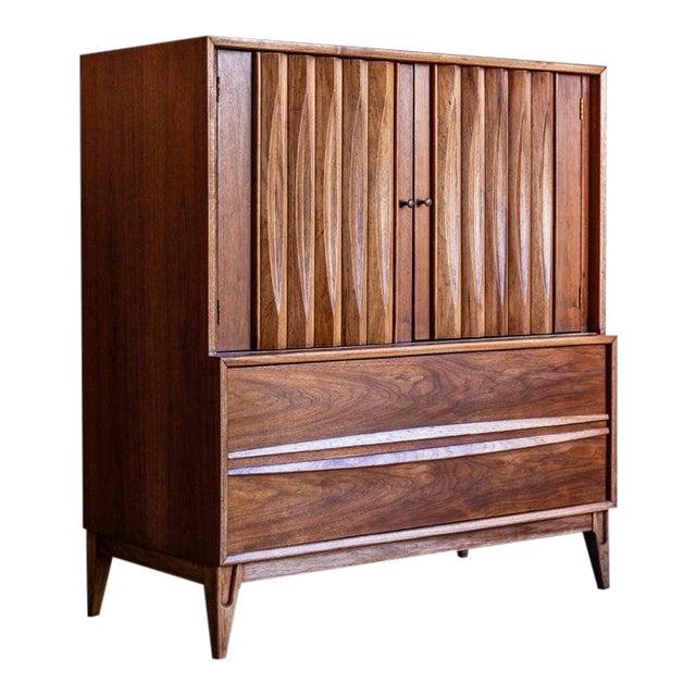 1960s Century Modern Thomasville Highboy Dresser For Sale