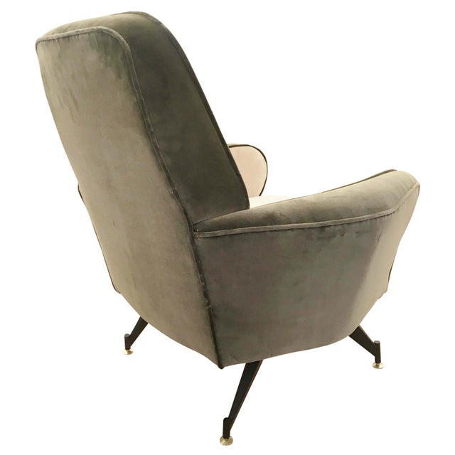Mid-Century Modern Pair of Lounge Chairs Attributed to Formanova, Italy, 1960's For Sale - Image 3 of 6