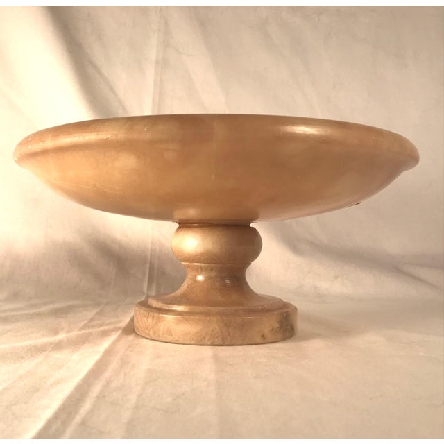Vintage Italian Alabaster Footed Bowl Pedestal Dish Centerpiece This beautiful Italian Hand carved and varnished creamed...