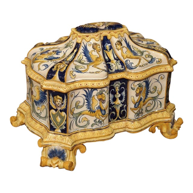 19th Century Italian Renaissance Style Majolica Box For Sale
