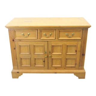 Baker Milling Road English Chippendale Style Pine Sideboard For Sale
