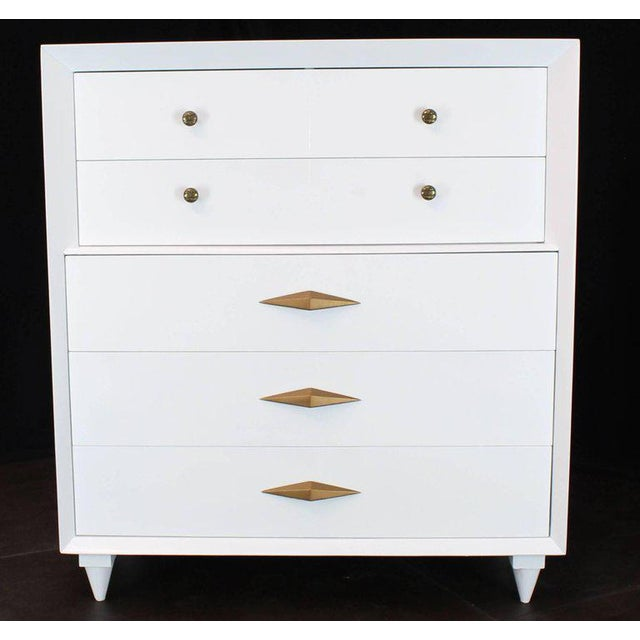 1970s Mid-Century Modern White Lacquer Deco High Chest Dresser With Diamond Pulls For Sale - Image 10 of 11