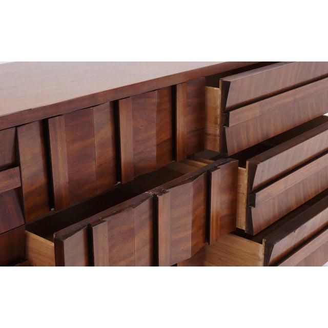 1960s Lane Sculptural/Brutalist Nine-Drawer Walnut Dresser For Sale - Image 5 of 9