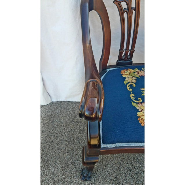 20th Century Chippendale Style Carved Mahogany Double Settee Bench For Sale In Phoenix - Image 6 of 9