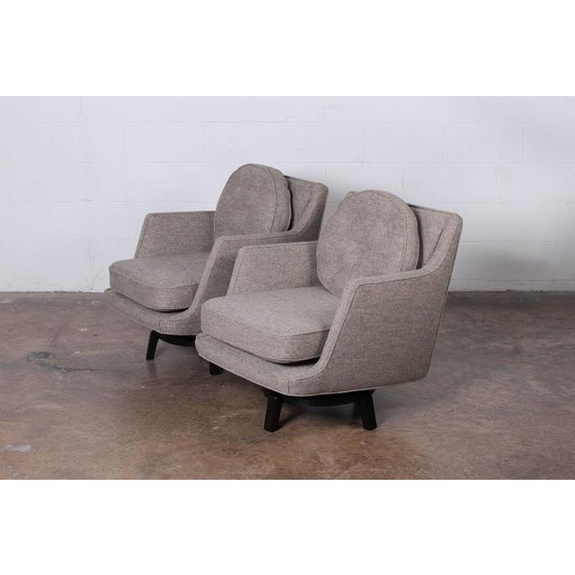 Pair of Swivel Chairs by Edward Wormley for Dunbar For Sale - Image 9 of 10