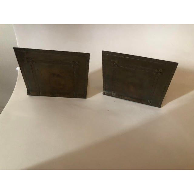 Arts & Crafts 1910s Roycroft Arts & Crafts Hammered Copper Bookends - a Pair For Sale - Image 3 of 7