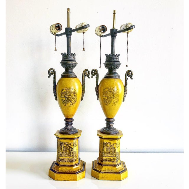 1960s Pair of Vintage Italian Tole Urn Lamps Black & Yellow For Sale - Image 5 of 5