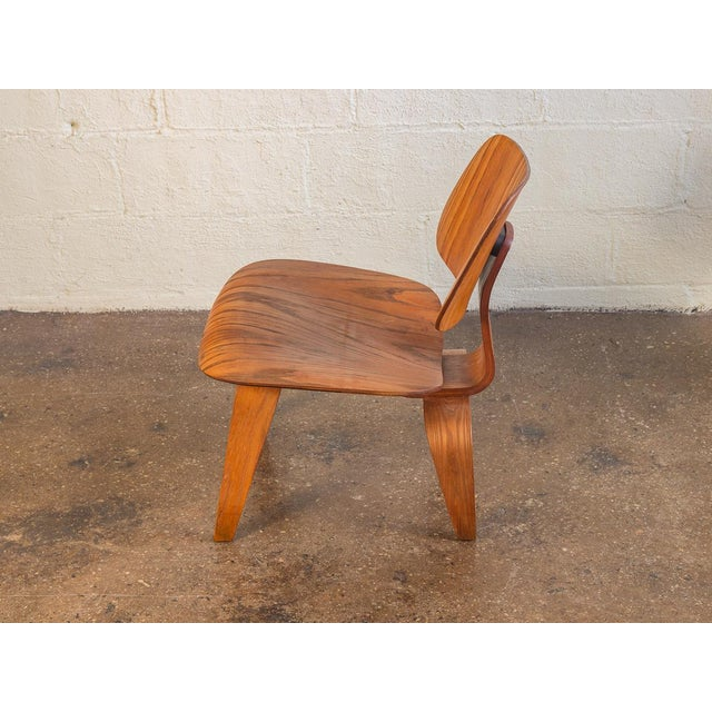 Mid-Century Modern 1950s Eames Ash LCW for Herman Miller Chair For Sale - Image 3 of 12