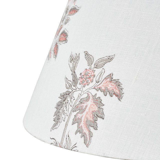 Contemporary Schumacher Bunny Linen Lampshade in Rose For Sale - Image 3 of 5