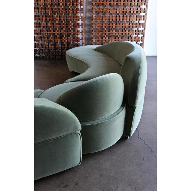 "Vladimir Kagan ""Comete"" Sofa for Roche Bobois, 2003 - Set of 3 For Sale - Image 11 of 13"