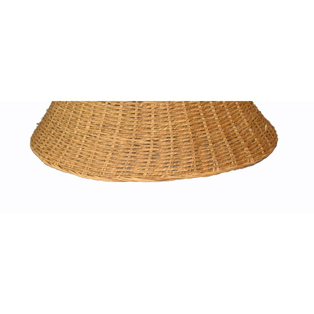 Mid-Century Modern Round Hand-Woven Rattan, Wicker White Lined Fabric Lamp Shade For Sale - Image 4 of 11