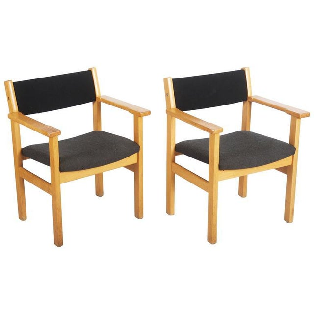 Fabric Vintage Armchairs by Hans J. Wegner for Getama - A Pair For Sale - Image 7 of 7