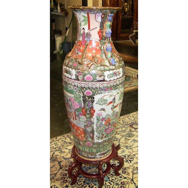 Turquoise 20c Chinese Cantonese Rose Medallion Famille Rose Gilted Floor Vase For Sale - Image 8 of 12