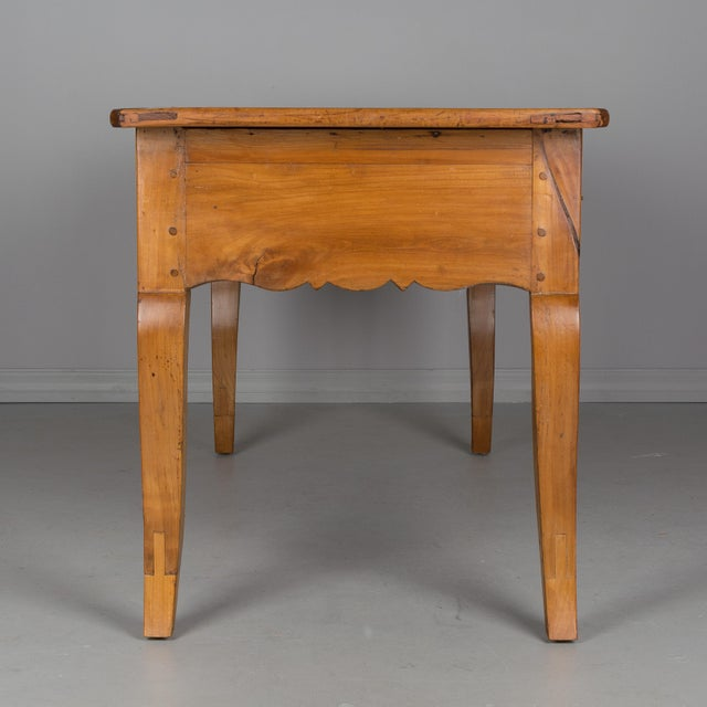 Early 19th Century Country French Desk For Sale In Orlando - Image 6 of 11