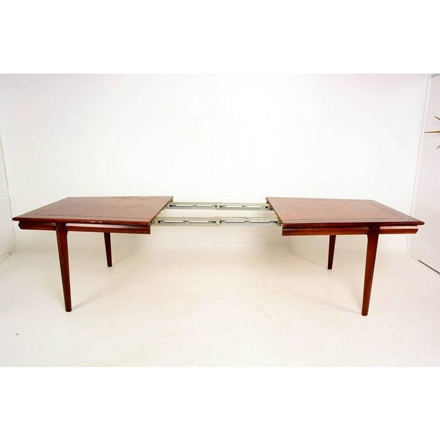 Modern Monteverdi & Young Dining Table For Sale - Image 3 of 10
