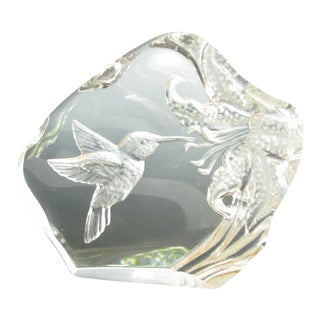 Vintage Mats Jonasson Sweden Deep Etched Crystal Hummingbird For Sale