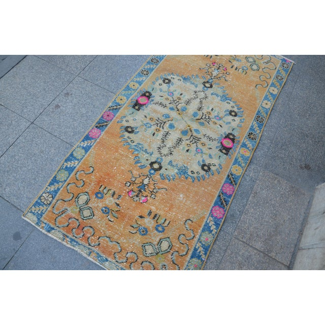 Turkish Oushak Vintage Tribal Wool Carpet - 2′8″ × 5′6″ For Sale - Image 9 of 11